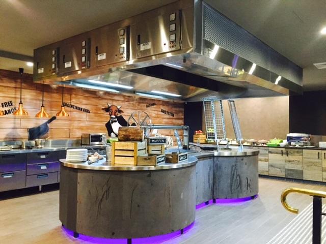 aom_commercial_kitchen-exhaust_hood_at_la_boca