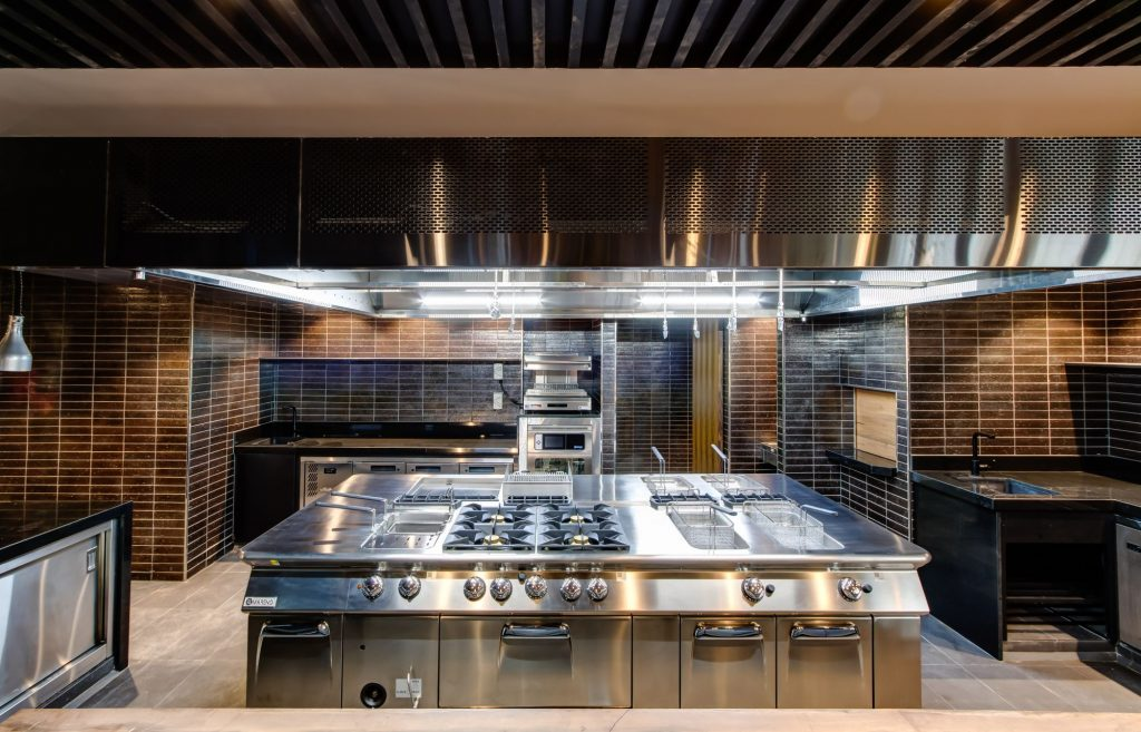 aom-commercial-kitchen-exhaust-hood-at-ihg